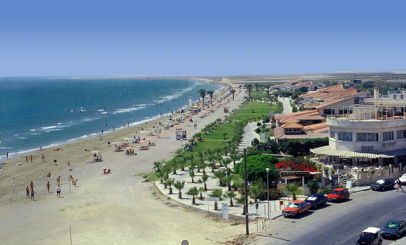 larnaca-tengerpart
